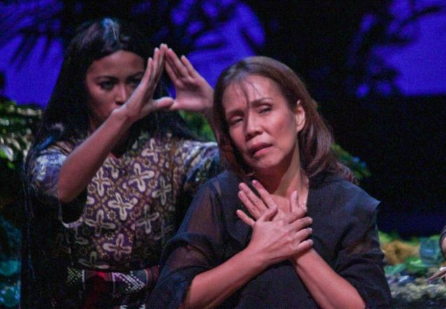 Irma Adlawan won Female Lead performance in a Play for BUHAY NA APOY beside her is Lhorvie Nuevo (Diwata). The TANGHALANG PILIPINO production ran at at the Tanghalang Aurelio Tolentino of the Cultural Center of the Philippines. Photo by Jude Bautista