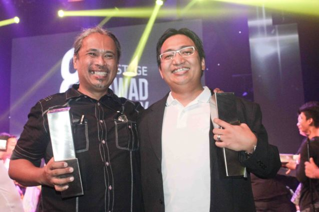 from left: Toym Imao - Outstanding Set Design and TJ Ramos – Outstanding Sound Design both for MABINING MANDIRIGMA by Tanghalang Pilipino. The 8th Philstage Gawad Buhay was held at Onstage Greenbelt last April 28, 2016. Photo by Jude Bautista