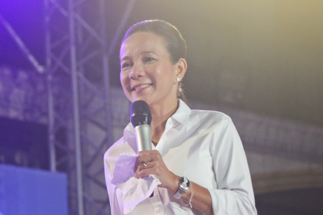 Sen. Grace Poe gave an inspiring 36-minute extemporaneous speech; The Partido Galing at Puso Miting De Avance was held at Plaza Miranda, Quiapo, Manila last May 7, 2016. Photo by Jude Bautista