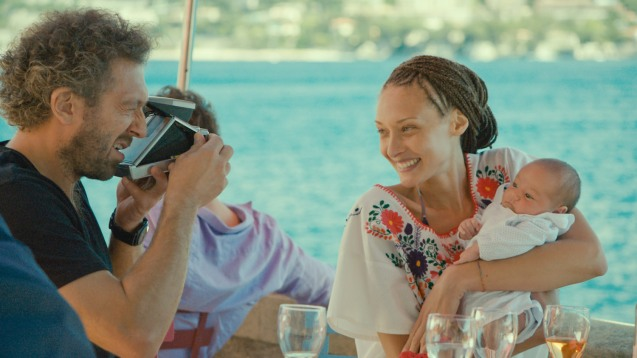 Georgio (Vincent Cassel) shows off his son to Agnes (Chrystèle Saint Louis Augustin) Catch the 21st French Film Festival from June 8 to 14, 2016 at the Greenbelt 3 Cinemas and the Bonifacio High Street Cinemas. The fest includes Pinoy films IMBISIBOL & MANANG BIRING on June 12 at Greenbelt.