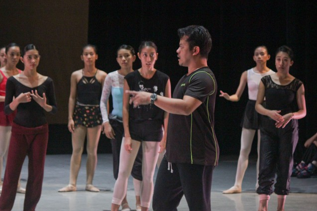 PBT Artistic Dir Ron Jaynario directs and choreographs during the PBT@30 (An Invitational Open Rehearsal) at the CCP Main Theater last June 22, 2016. Photo by Jude Bautista