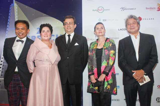 Center: Amb. Thierry Mathou from left: French Audio Visual Attache Martin Macalintal, Cannes Best Actress Jaclyn Jose, Mdme. Cecile Mathou & FDCP Chairman Briccio Santos. Catch the 21st French Film Festival from June 8 to 14, 2016 at the Greenbelt 3 Cinemas and the Bonifacio High Street Cinemas. The fest includes Pinoy films IMBISIBOL & MANANG BIRING on June 12 at Greenbelt. Photo by Jude Bautista