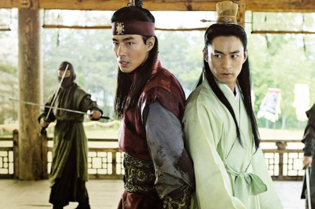 from right: Joo Jin-mo (King) & Zo In-Sung (Hong). A FROZEN FLOWER was part of the Korean Film fest held in Shang Cineplex, Shangri La Plaza Mall (2010).