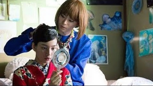 Kuranosuke (Masaki Suda) teaches Tsukimi (Rena Nounen) how to use make up, fix her hair and dress nicely. PRINCESS JELLYFISH is currently showing in RED by HBO. The hit movie premiered in the Philippines at Eiga Sai 2015 organized by Japan Foundation Manila at Shang Cineplex, Shang Rila Plaza Mall.