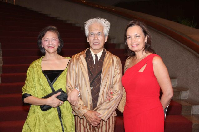 from left: Choreographer Edna Vida Froilan, Nonoy Froilan (Scrooge) and BP Pres. Margie Moran in BP's A CHRISTMAS CAROL (2013). BP's AWITIN MO AT ISASAYAW KO will run from Dec 2-11, 2016 at the CCP Main Theater (Tanghalang Nicanor Abelardo). Photo by Jude Bautista